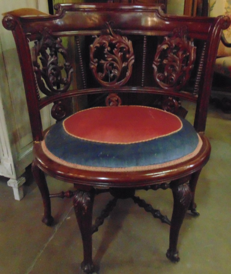 Antique Sale Items Lots Of Furniture Antiques Warehouse Inc