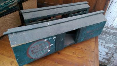15K24812 TOY RAIL BOX CAR.jpg