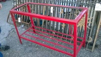 36-LONG RED METAL BASE.jpg