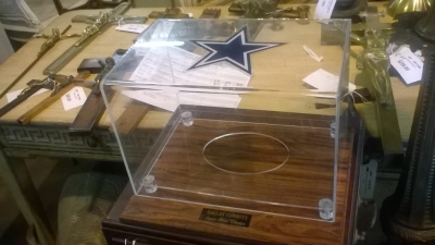 15K23 DALLAS  COWBOYS SUPERBOWL DISPLAY.jpg