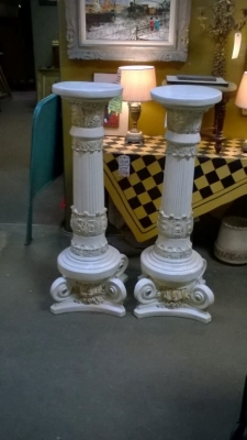 15K14020 PAIR OF SHORT CORINTHIAN COLUMNS.jpg