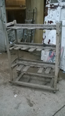 15K24822 ROUGH PRIMITIVE SHOE RACK MISSING PARTS.jpg