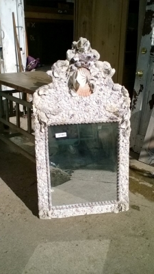 15K24905 LARGE SHELL MIRROR.jpg