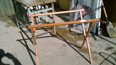 15K24907 FOLDING TABLE LEGS.jpg