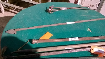 15K24941 METAL ROD WITH ARROW HEAD.jpg