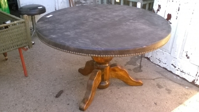 15K24976 LEATHER TOP DINING TABLE.jpg