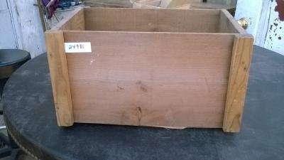 15K24981 WOOD BOX.jpg