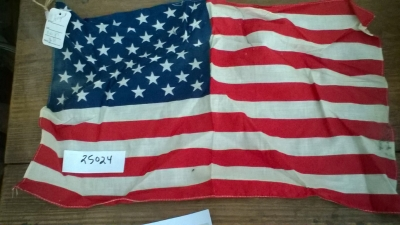 15K25024 SMALL AMERICAN FLAG.jpg