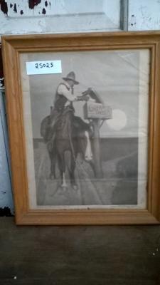 15K25025 HORSEBACK MAILMAN.jpg