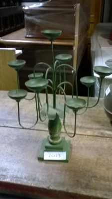 15K25063 GREEN METAL CANDLE STAND.jpg