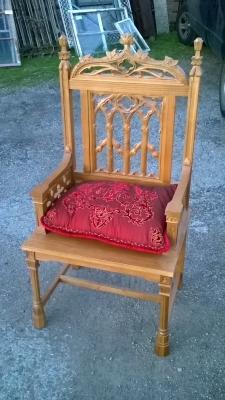 15L21002 OAK ECLESIASTICAL CHAIR.jpg