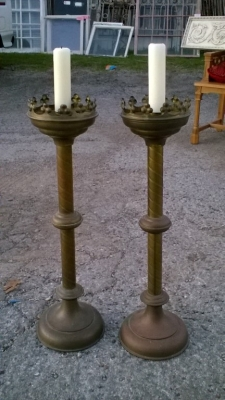 15L21014 PAIR OF BRASS CANDLE STANDS (2).jpg