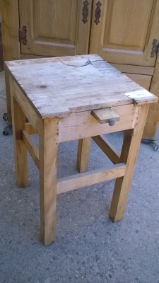 15L10 BUTCHER BLOCK STYLE TABLE.jpg