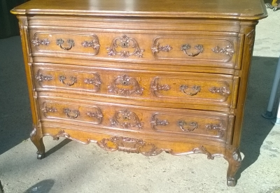 15L10 CARVED LOUIS XV COMMODE (2).jpg