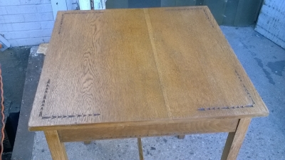 15L10 CHIP CARVED TOP TABLE (2).jpg