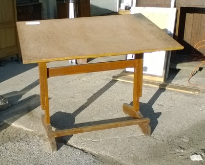 15L10 DRAFTING TABLE.jpg