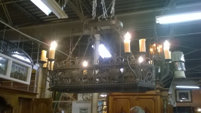 15L10 LARGE HEAVY CAST IRON CHANDELIER WITH POT HANGERS (2).jpg