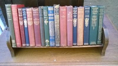 15L10 SET OF CLASSIC BOOKS IN STANDS.jpg