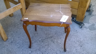15L10 SMALL LOUIS XV TABLE.jpg