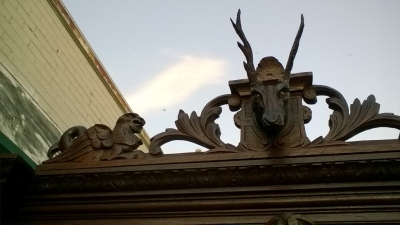 16A10004 CARVED FRENCH OAK HUNTBOARD WITH STAG PEDIMENT (4).jpg