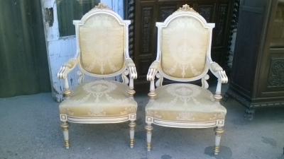 16A10009 SPANISH LOUIS XVI STYLE ARM CHAIRS (1).jpg