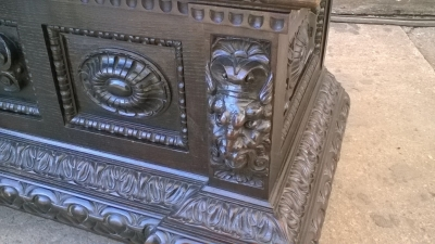 16A10014 CARVED ITALIAN RENAISSANCE WEDDING COFFER (3).jpg