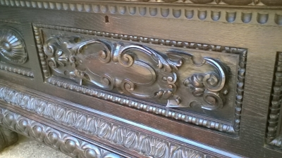 16A10014 CARVED ITALIAN RENAISSANCE WEDDING COFFER (4).jpg