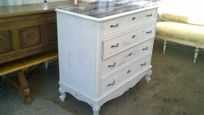 16A10022 PAINTED LOUIS XV CHEST (4).jpg