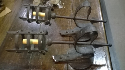 16A PAIR OF WROUGHT IRON SCONCES.jpg