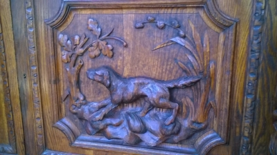 16A10001 LARGE CARVED FRENCH HUNT CABINET (17).jpg