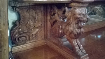 16A10001 LARGE CARVED FRENCH HUNT CABINET (20).jpg