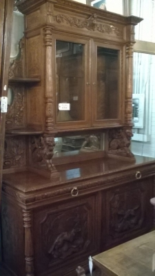 16A10001 LARGE CARVED FRENCH HUNT CABINET (22).jpg