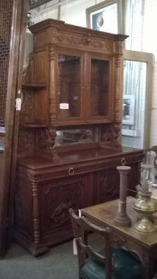 16A10001 LARGE CARVED FRENCH HUNT CABINET (23).jpg