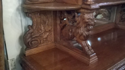 16A10001 LARGE CARVED FRENCH HUNT CABINET (29).jpg