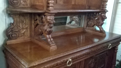 16A10001 LARGE CARVED FRENCH HUNT CABINET (30).jpg