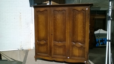16B02001 LOUIS XV OAK 3 DOOR ARMOIRE (1).jpg