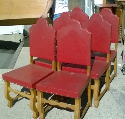 16B02016 SET OF 6 ARCHED BACK RED LEATHER CHAIRS (1).jpg