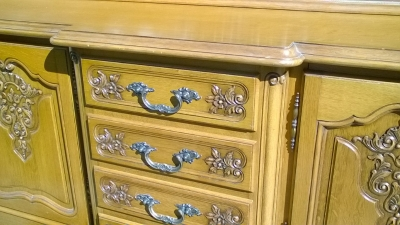 16B02018LONG COUNTRY FRENCH SIDEBOARD WITH CENTER DRAWEERS (2).jpg