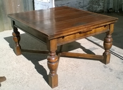 16B02044 LARGE ENGLISH DRAWLRAF TABLE WITH TURNED LEGS (1).jpg