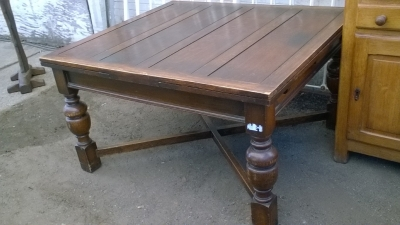 16B02044 LARGE ENGLISH DRAWLRAF TABLE WITH TURNED LEGS (3).jpg