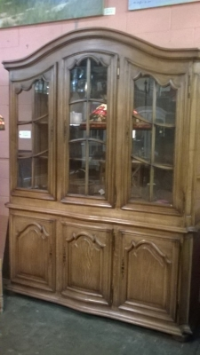 16A01411 LARGE OAK ARCHED TOP BOOKCASE (1).jpg