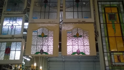 16B SELECTION OF STAINED GLASS WINDOWS (1).jpg