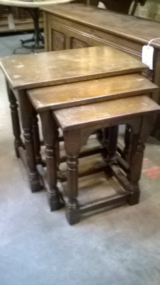 16B06008 SET OF 3 ENGLISH NESTED TABLES (1).jpg