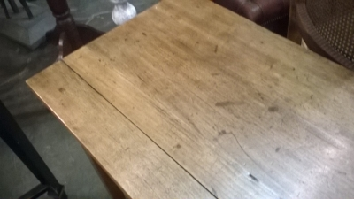 16B08901 TAPERED LEG PINE TABLE WITH DRAWER (2).jpg