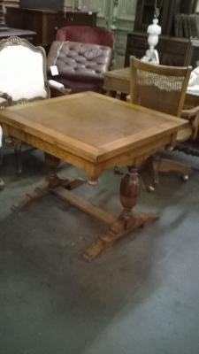 16B16 ENGLISH PEDESTAL BASE PUB TABLE (2).jpg