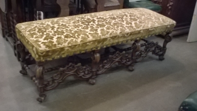 16B24 LARGE CARVED FRENCH BENCH   (3).jpg