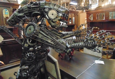 13K11430  WELDED ART METAL STATUE OF ALIEN (3).JPG