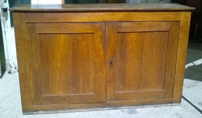 16C04047 LARGE PEGGED OAK CABINET (1).jpg