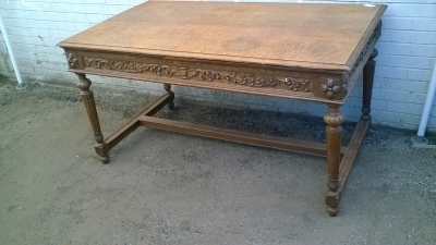 16C04019 CARVED OAK LIBRARY TABLE (2).jpg