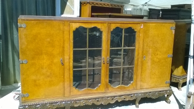 16C04024 LARGE BURLED CABINET WITH FRENCH FEET (1).jpg